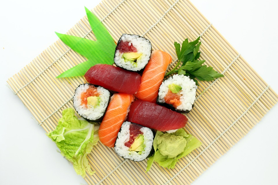 We've Been Eating Sushi Wrong! Here's How to Eat Sushi, Correctly